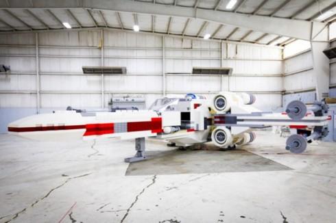 Star-Wars-X-Wing-Lego7-640x426