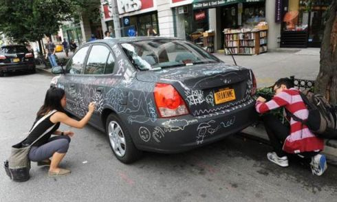 draw-on-me-blackboard-car-6