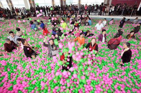 world-largest-ball-pool-china-2