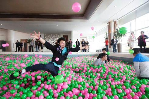 world-largest-ball-pool-china-6