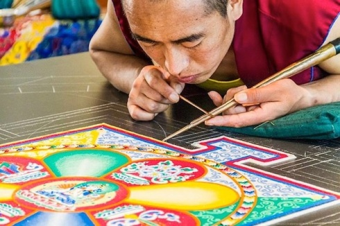 Creating-From-a-Grain-of-Sand-by-The-Tibetan-Monks-5