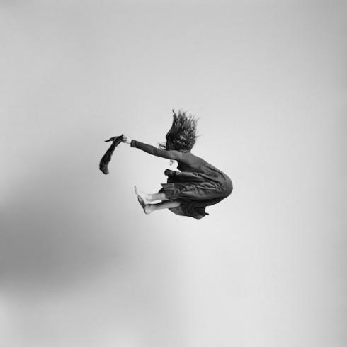Black-and-white-jumping-people-photography-15