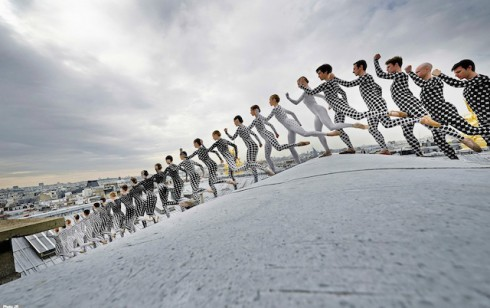 Rooftop-Dancers-in-Paris-by-JR-3