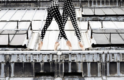 Rooftop-Dancers-in-Paris-by-JR-7