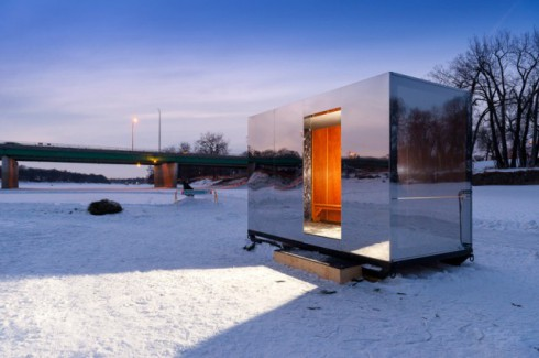 Warming-Huts-On-Frozen-Rivers_0-640x425