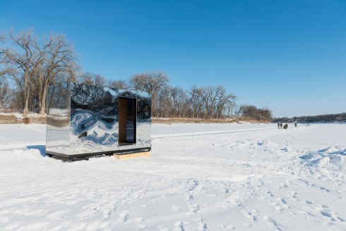 Warming-Huts-On-Frozen-Rivers_1-640x427