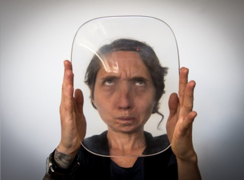 3D-Printed-Lenses-Distorting-Faces_1-640x473