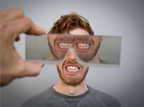 3D-Printed-Lenses-Distorting-Faces_6-640x473