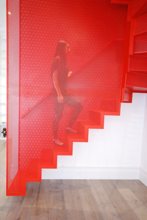 Hanging-Red-Stairs-in-London-House-2