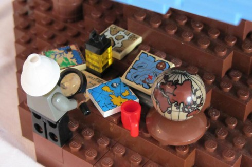 LEGO-terrestrial-globe-13