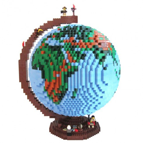 LEGO-terrestrial-globe-2