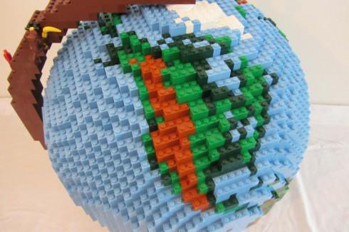 LEGO-terrestrial-globe-5