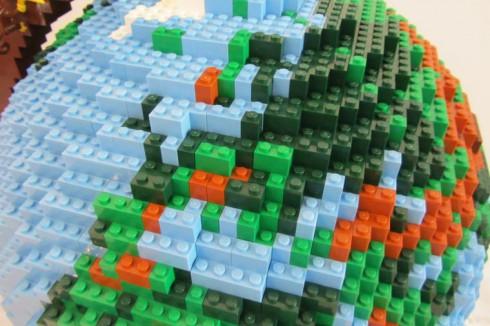 LEGO-terrestrial-globe-7
