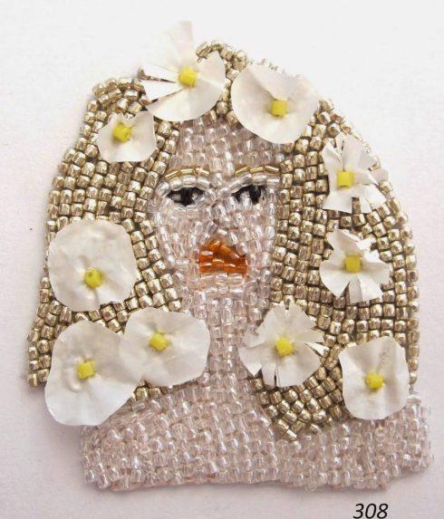 handmadebeadedpinscelebrities-6-900x1052