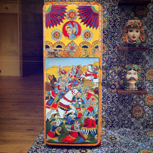 ornementedfridgespaintedbydolceandgabbana-8-900x900