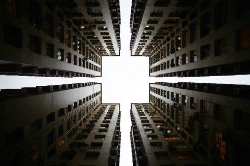 vertiginousskyscrapersofhongkong-0-900x600