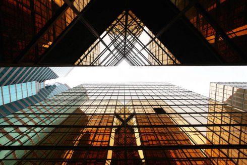 vertiginousskyscrapersofhongkong-1-900x600