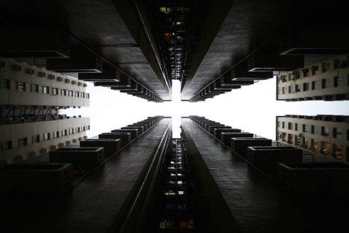 vertiginousskyscrapersofhongkong-3-900x600