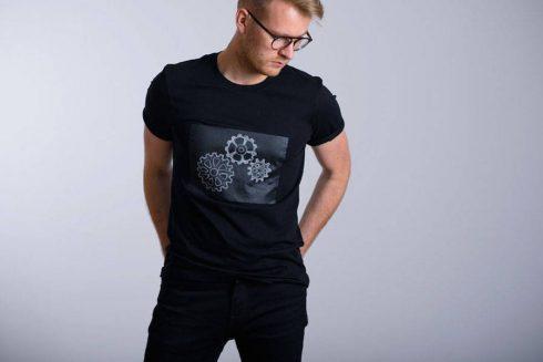 creative-chalkboard-t-shirts-3-900x601
