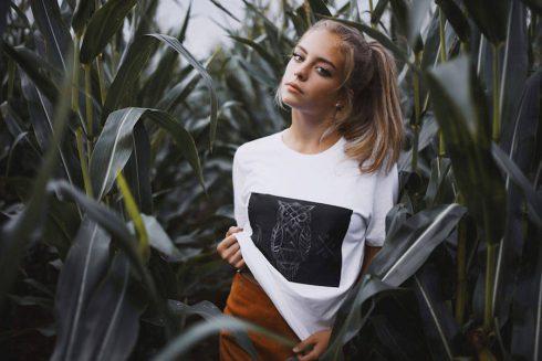 creative-chalkboard-t-shirts-7-900x601