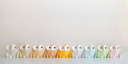 origami-inspired-wildlife-paper-lamps-13-900x450